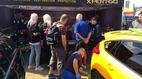 Shaun shines Bee while crowds gather round the Xpert-60 stand